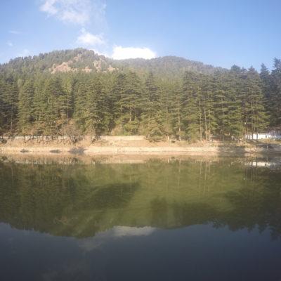 El lago Dal es sagrado, pero está muy sucio