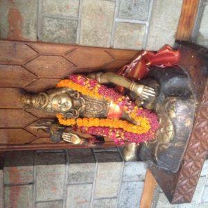 Un buda que encontramos dentro del templo Manu