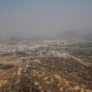 Vistas de Pushkar desde el templo en la colina