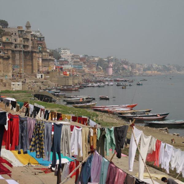 A orillas del Ganges puedes encontrarte casi de todo