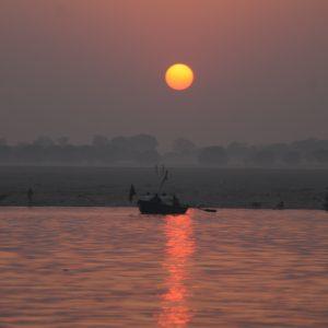 A pesar de la neblina clásica india, pudimos disfrutar de un bonito amanecer