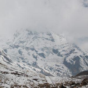 ¡Pero que diminutos somos en comparación con esta montaña! ¡Y ni siquiera es la más alta!