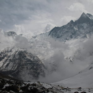 ¿Veis las nubes que asoman por el cañón? Nos persiguieron en nuestra subida al ABC y taparon todas las vistas con una tormenta de nieve