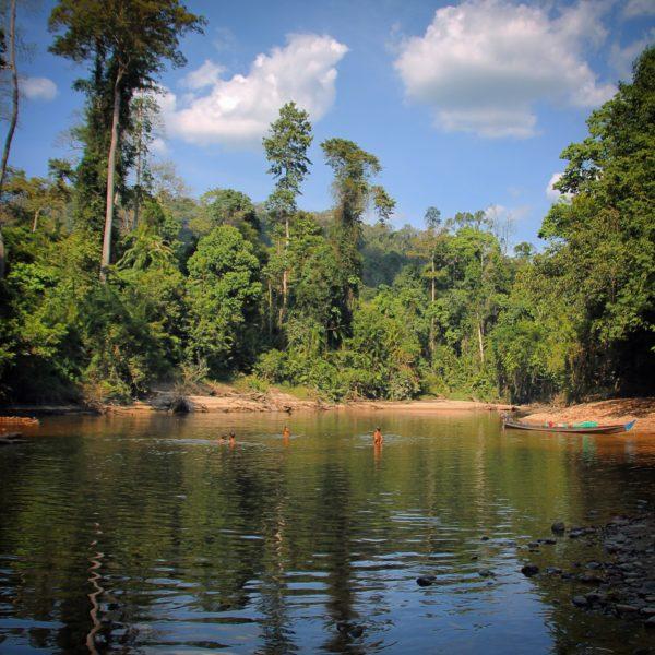 Lubuk Simpon es una zona del río poco profundo y muy agradable para el baño