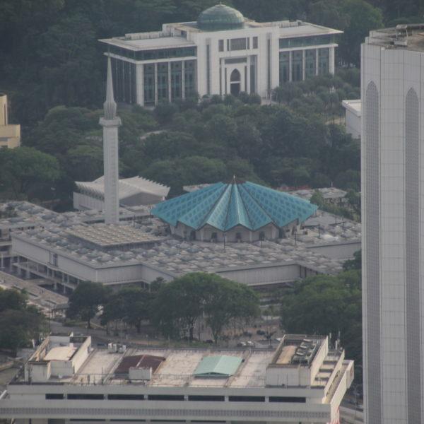 La bonita Masjid Negara vista desde la torre