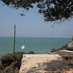 También se puede encontrar una roca dorada, muy común en Myanmar