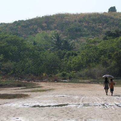 Para llegar a Tizit, tuvimos que cruzar por zona que había estado inundada momentos antes por la marea alta