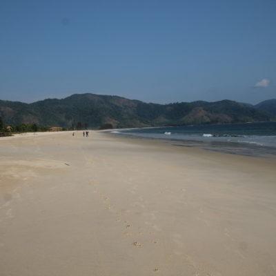 Preciosa la inmensa playa de Tizit