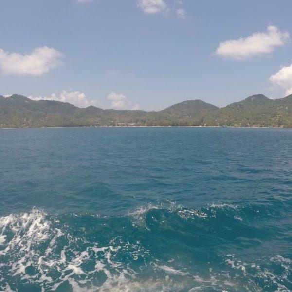 La isla de Koh Tao desde el barco de buceo