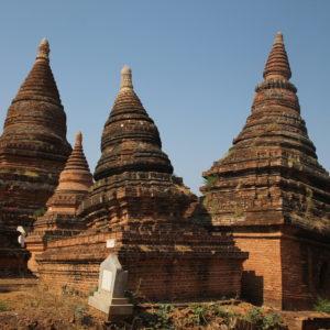 A esta zona de Bagan le llemaban la Pisa de Myanmar, ¿es obvio el porque?