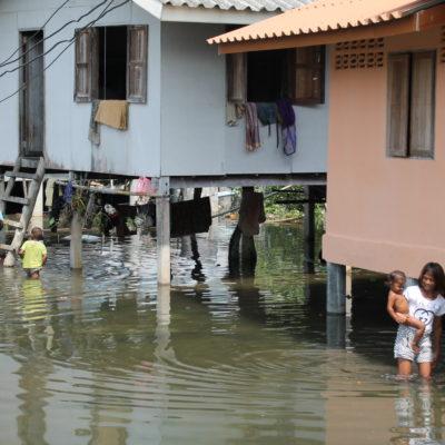 Las casas de la isla ya están preparadas para la subida del agua