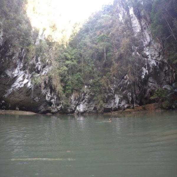El hecho de que sea un agujero en la roca lo convierte en un lugar casi mágico