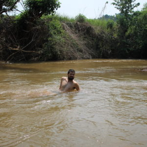 Tuvimos ocasión de darnos un baño en el río donde había ¡escorpiones pequeñitos!