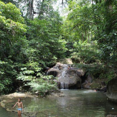 La falta de agua en las cascadas deslucía un poco el lugar