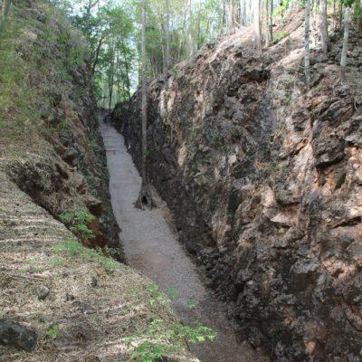 Ver el Hellfire Pass desde arriba te da una idea de lo que tuvieron que sufrir para crear el paso