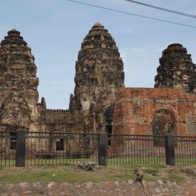 El templo jemer de Lopburi es pequeñito pero está bastante bien conservado