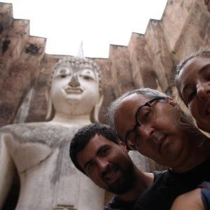 El enorme buddha de Wat Si Chum nos vigila