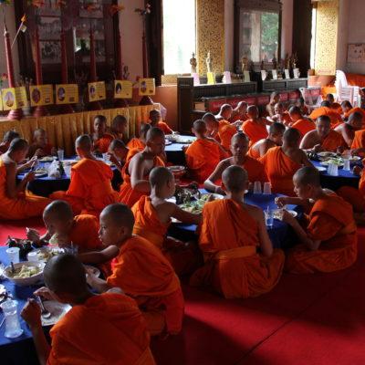 Nos encontramos con este comedor de monjes dentro de un templo
