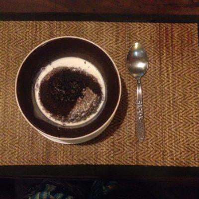 Remate final: pudding de chocolate con nata