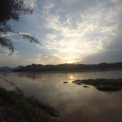 Bonito atardecer en el Mekong