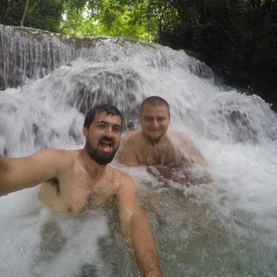 En las cascadas conocimos un austríaco con el que pasamos el día