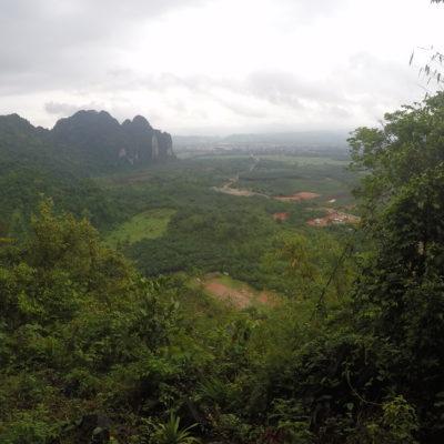Las vistas desde Pha Ngeun son preciosas, aunque el tiempo no acompañara mucho