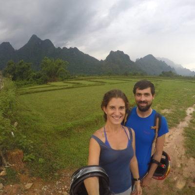 Aunque el tiempo no acompañó, el paisaje que rodea toda la zona de Vang Vieng es muy bonito