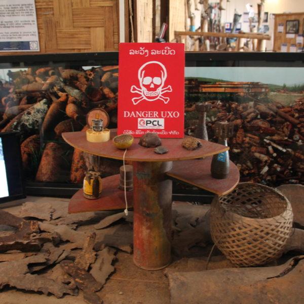 Laos es un país que ha sido muy castigado por los bombardeos y todavía están sufriendo las consecuencias de ello