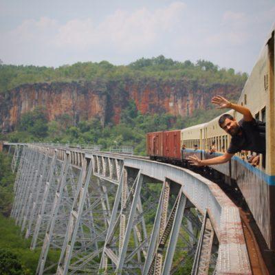 Nico se emocionó mucho al cruzar el viaducto Gokteik; se nota, ¿no?