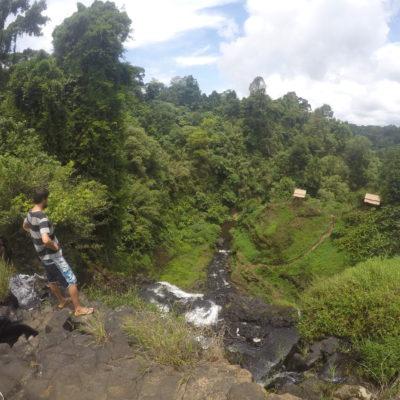 En Tad Yuang es posible caminar por encima de la cascada