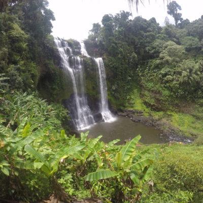 Tad Yuang está rodeado de naturaleza también y es posible bajar hasta el pozo