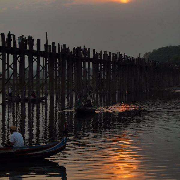 El atardecer es muy buen momento para visitar el puente; como suponemos que también lo es el amanecer