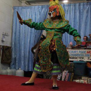 Un disfraz para uno de los bailes del espectáculo