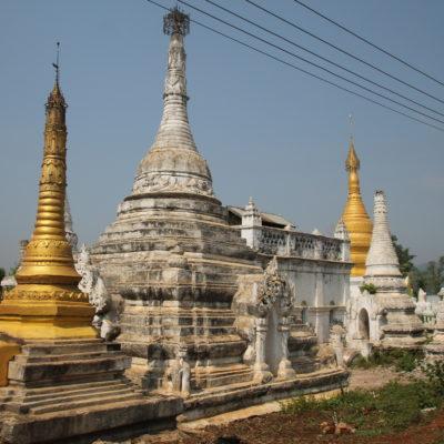 Y como en todo Myanmar, no podían faltar las pagodas de oro