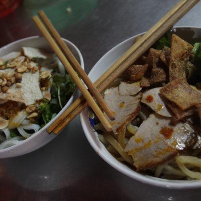 El cao lau y el mi quang son dos platos de noodles tradicionales de Hoi An