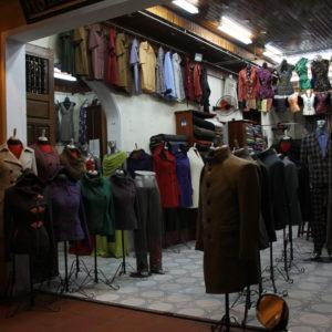 Hoi An es conocido también por que hacen todo tipo de ropa a medida de un día para otro
