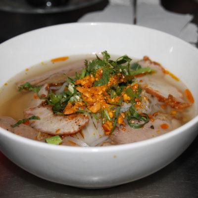 Al día siguiente probamos el hu tieu, noodles con sopa, ¡qué bueno estaba todo!