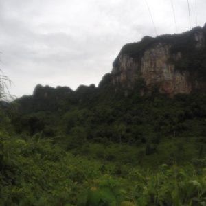 El paisaje de toda la zona es verde y rocoso; ¡cómo nos gustó!
