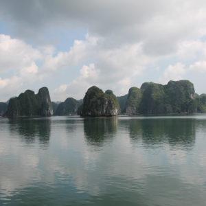 Si las rocas no fueran suficientemente bonitas, su reflejo en el mar lo hace perfecto