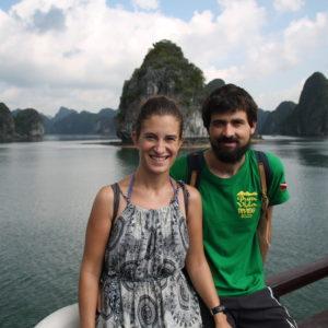 No os aburriremos con todas nuestras fotos, pero la gran cantidad que tenemos demuestran lo mucho que nos gustó la Bahía de Halong