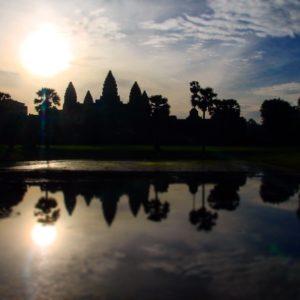 El reflejo de Angkor Wat en los pequeños lagos de enfrente es probablemente lo que más se busque para las fotos