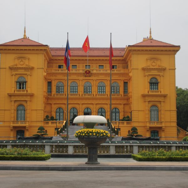 El palacio presidencial donde vivió al inicio Ho Chi Minh