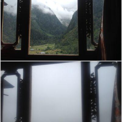 Vistas de la tarde y la mañana siguiente desde el hostal de Upper Yubeng