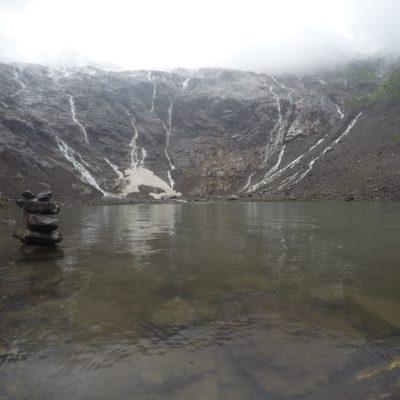 Agua transparente, helada y teóticamente sagrada