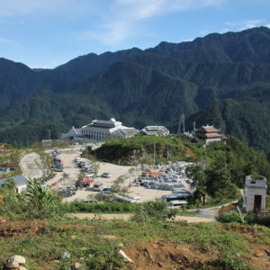 El complejo hotelero de Fansipan y el inicio del teleférico