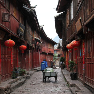 La ciudad de Lijiang reposa tranquila esperando a que empiece la actividad