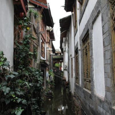 Las estrechas calles rematan la belleza del pueblo