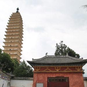 Si se rodea el recinto, también se puede obtener un punto de vista diferente de algún templo