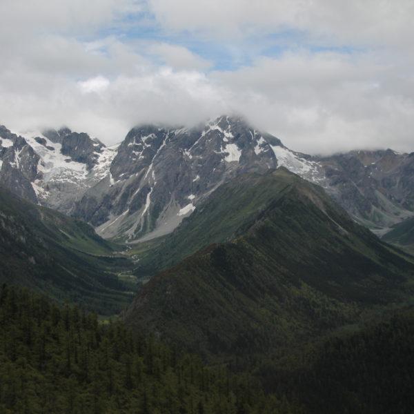 Una pena que no pudieramos ver las montañas despejadas