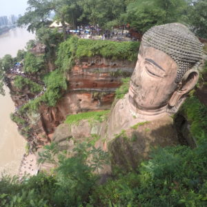 Se mire por donde se mire, el buddha de Le Shan es impresionante